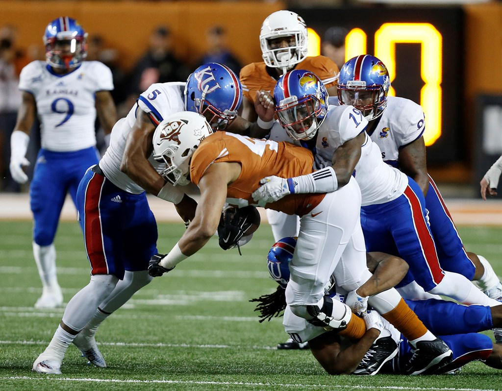 Miller tackle vs. Texas
